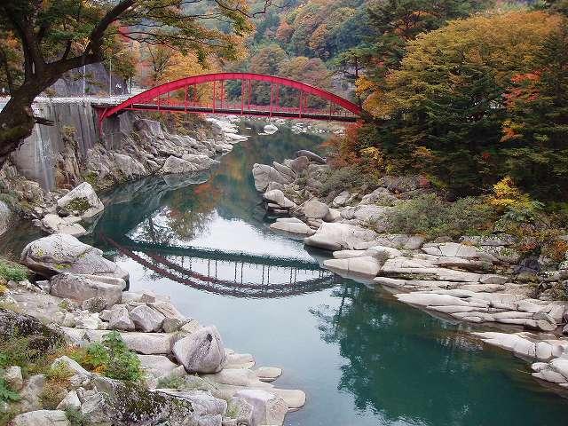 木曽の桟付近 秋 (上松町)